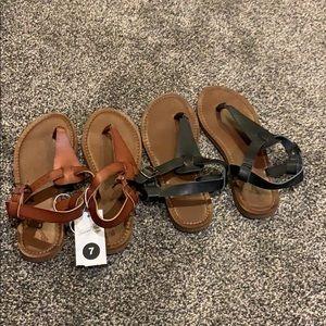 2 pairs of sandals.
